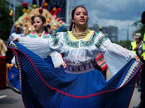 Ecuadorian dress at Carnival del Pueblo