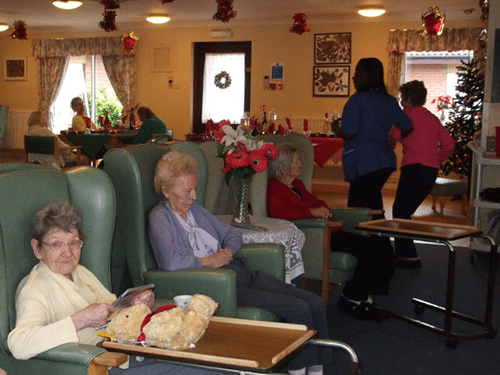 Christmas_Day_in_a_nursing_home_-_geograph.org.uk_-_1091150